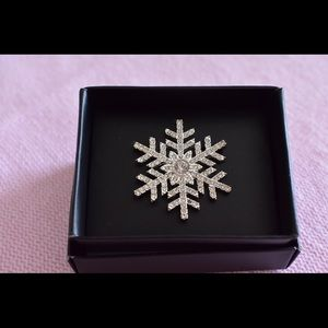 Snowflake brooch from avon